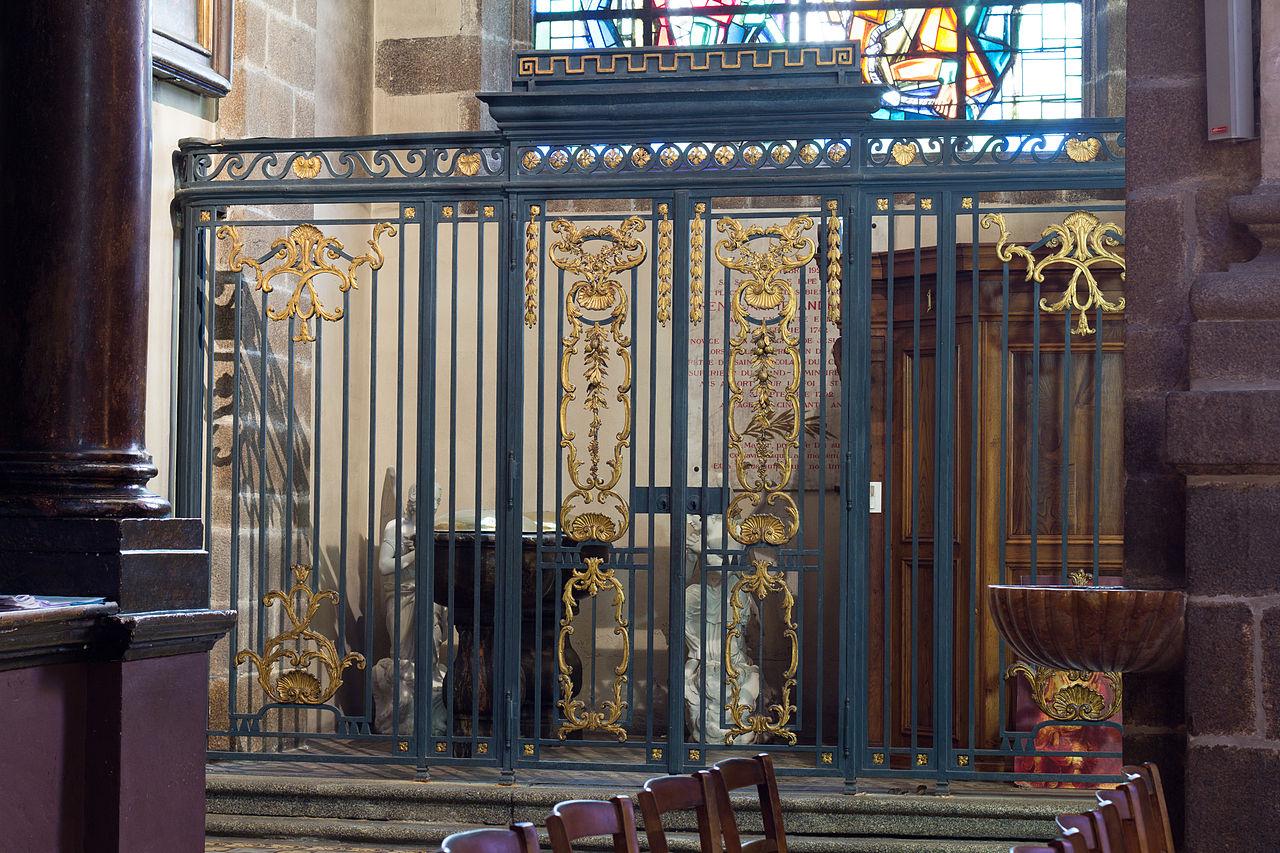 file grille de la chapelle baptismale de la basilique saint sauveur rennes ille et vilaine. Black Bedroom Furniture Sets. Home Design Ideas