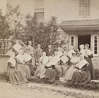 Shaker communities - James E. Irving (1818-1901), Photograph of a group of Shakers - single image