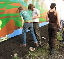 220px Guerrilla gardening