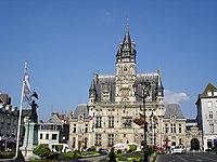 Hôtel de ville de Compiègne.jpg