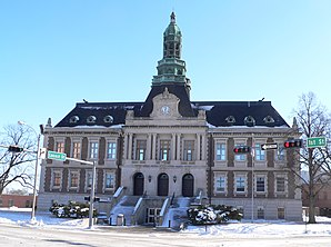 Hall County Courthouse, gelistet im NRHP Nr. 77000831[1]