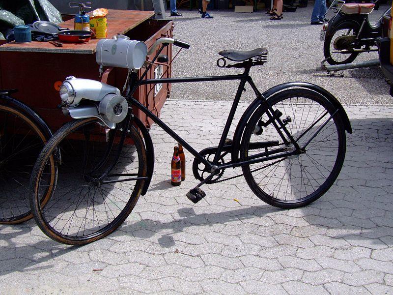 Zweirad mit Frontantrieb 800px-Hilfsmotor_Flink_2