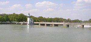 Augsburg Eiskanal - Image: Hochablass
