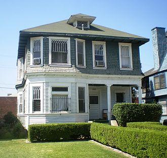 Menlo Avenue–West Twenty-ninth Street Historic District - 2803 S. Menlo Ave.