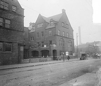 Hull House - Smith Hall along Halsted St., 1910
