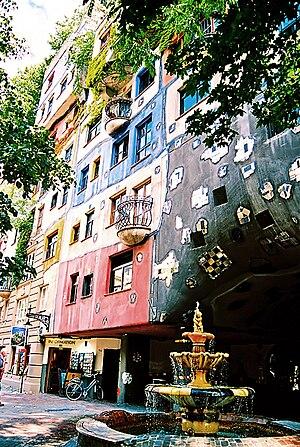 Hundertwasserhaus - Image: Hundertwasser 03