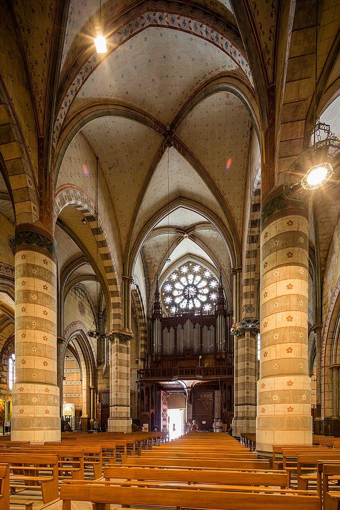 File int rieur de la cath drale saint j r me digne les for Interieur francais