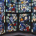 Interieur trappenhuis, detail gebrandschilderd glas-in-lood - 's-Gravenhage - 20367891 - RCE.jpg