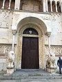 Italie, Modène, Corso Duomo, Duomo ou Cattedrale di Santa Maria Assunta in Cielo e San Geminiano (XIIe - XIIIe siècles), façade ouest, portail principal (50244859248).jpg