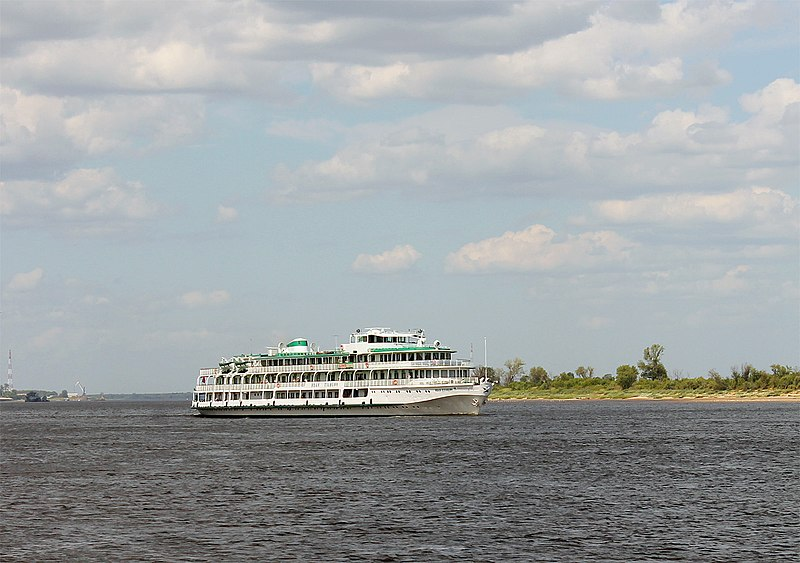 File:Ivan Kulibin underway on the Volga River Nizhegorodskaya Oblast Balakhna 20 July 2013.jpg