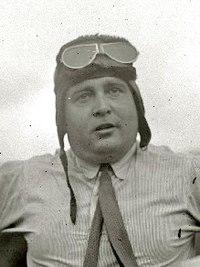 Juan de la Cierva, aeródromo de Lasarte, 1930.jpg