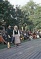 Juhla Kansallismuseon pihalla - XLVIII-923 - hkm.HKMS000005-km0000m2kg.jpg