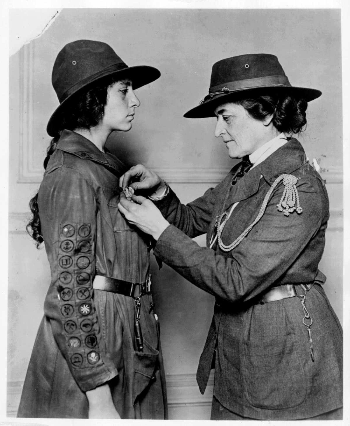 a biography of the life of juliette gordon low and her foundation of the girl scouts in america Daisy's century juliette gordon low is georgia history fest honoree  where she headquartered the girl scouts of america later in life  by foundation.