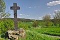 Kříž u cesty k hradu, Louka.jpg