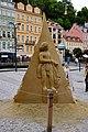 Karlovy Vary socha z písku u kolonády.jpg