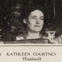 Kathleen Courtney in 1915.png
