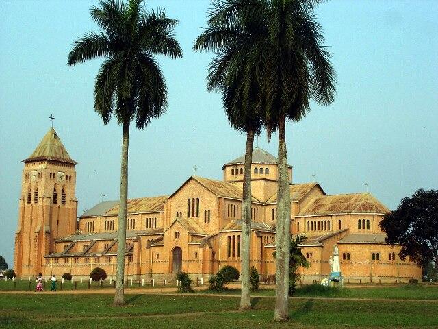 Kisantu kathedraal 2