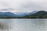 Klagenfurt Sankt Martin Woerther See-Blick mit Maria Loretto und Košuta 08052017 8290.jpg
