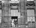 Koninklijk paar op het balkon, Bestanddeelnr 909-8698.jpg