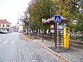 Kostelec nad Černými lesy, náměstí, autobusová zastávka.jpg