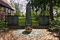 Kriegerdenkmal vor Kapelle in Gorleben IMG 8322.jpg