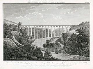 L'Aqueduc en Fonte de Pont-y-Cysylte: qui passe sur la riviere de Dee, pres de Llangollen, dans le pays de Galles, est navigable et fait partie du Canal d'Ellesmere