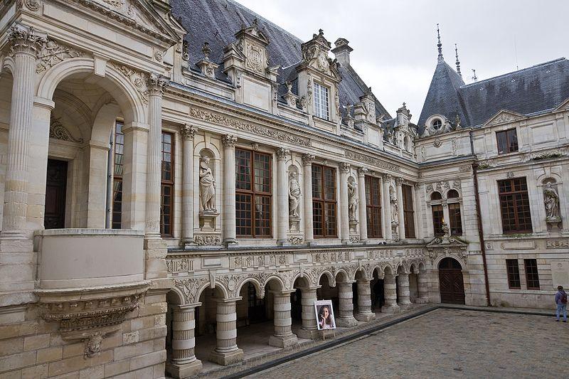 File larochelle wikimedia commons for Hotel la rochelle piscine
