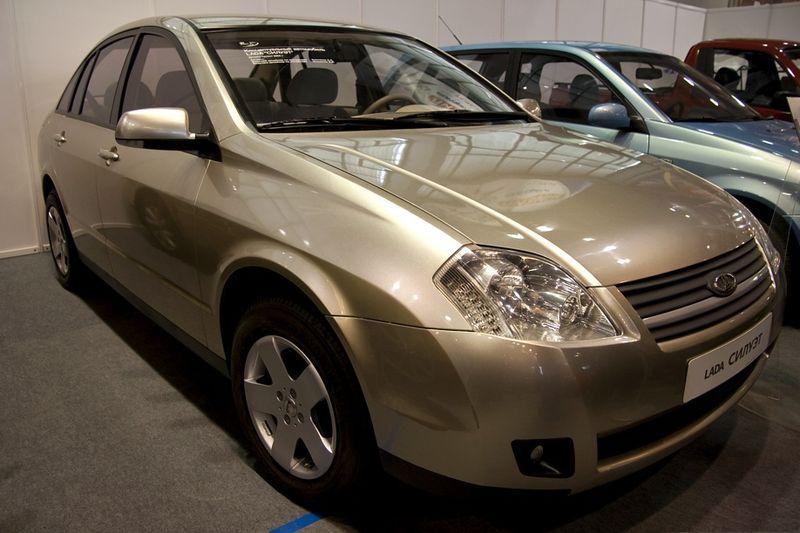 Специалисты назвали самые известные среди граждан России марки автомобилей