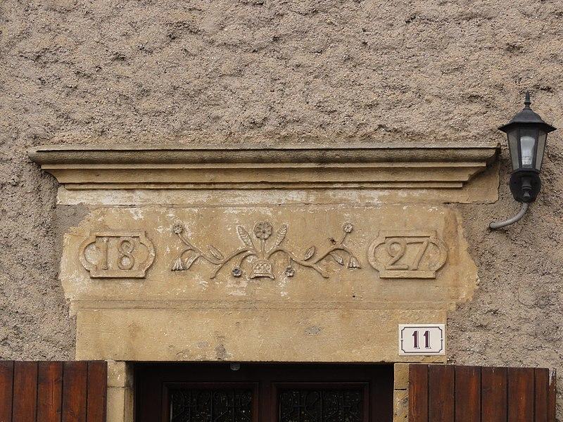 Laix (Meurthe-et-M.) linteau porte de maison 1827