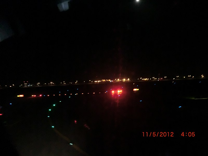 File:Leaving Bangkok in the middle of the night - panoramio.jpg