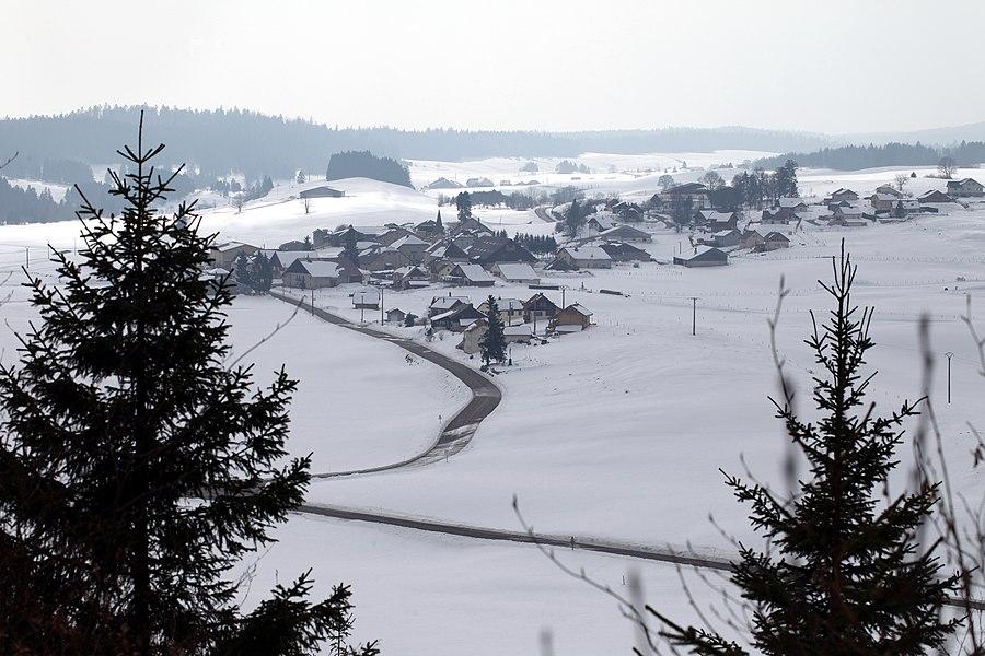 Les Pontets (Doubs) vus du nord-est.