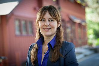 Lisa Kaltenegger - Lisa Kaltenegger standing in front of Cornell's Big Red Barn