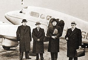Soviet–Lithuanian Mutual Assistance Treaty - Lithuanian delegation before departing to Moscow on October 7, 1939. Urbšys is third from left.