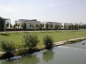 https://upload.wikimedia.org/wikipedia/commons/thumb/0/02/Lleida-Campus_Cappont.jpg/275px-Lleida-Campus_Cappont.jpg