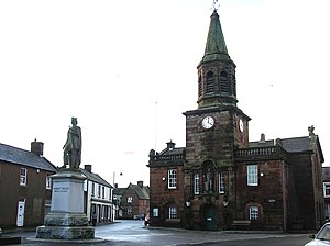 Lochmaben - Lochmaben town centre showing the town hall and a statue of Robert Bruce