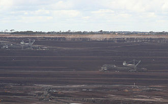 Loy Yang Power Station - Image: Loy Yang open cut brown coal mine and dredgers
