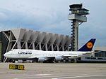Lufthansa, Boeing 747-430, D-ABVW (14137438931).jpg