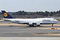 Lufthansa B747-400(D-ABVN) (4496662633).jpg