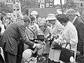Lustrum Amsterdamse studenten, opening door prins Bernha prinsessen Beatrix en I, Bestanddeelnr 914-0490.jpg