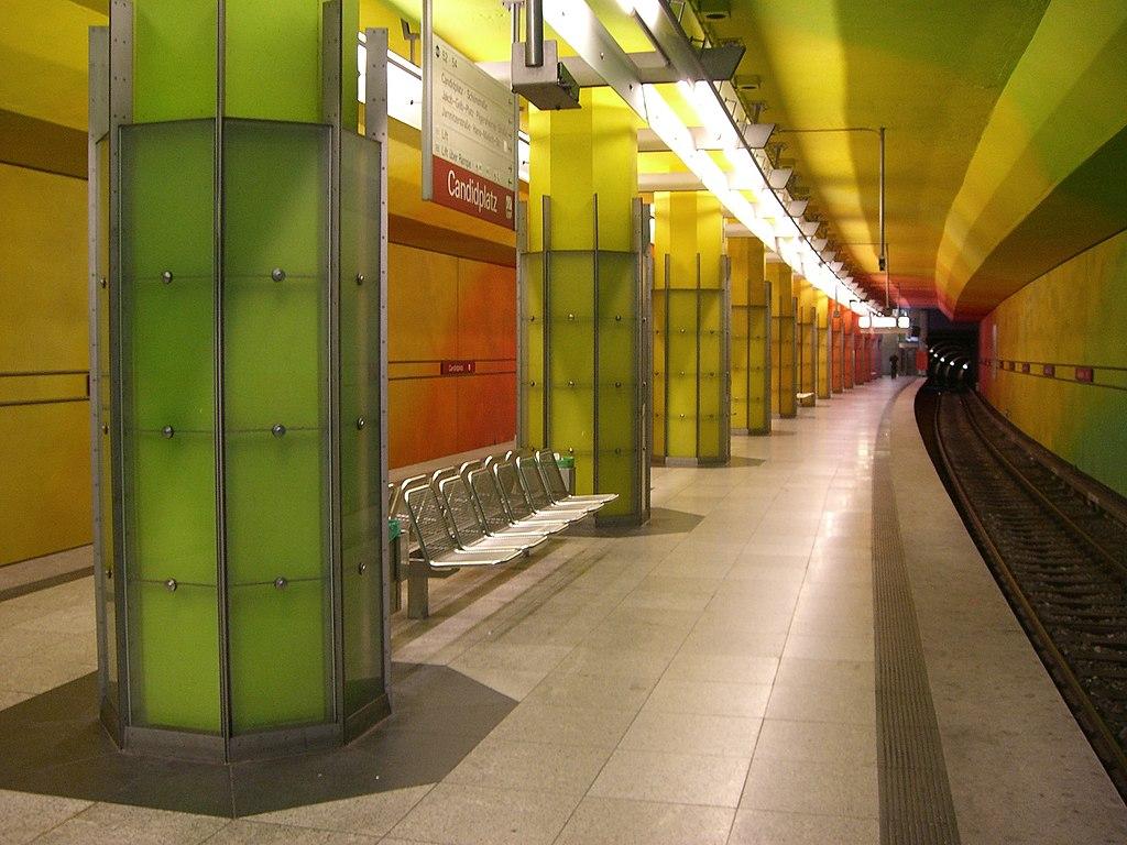 München - U-Bahn-Bahnhof Candidplatz (Bahnsteig)