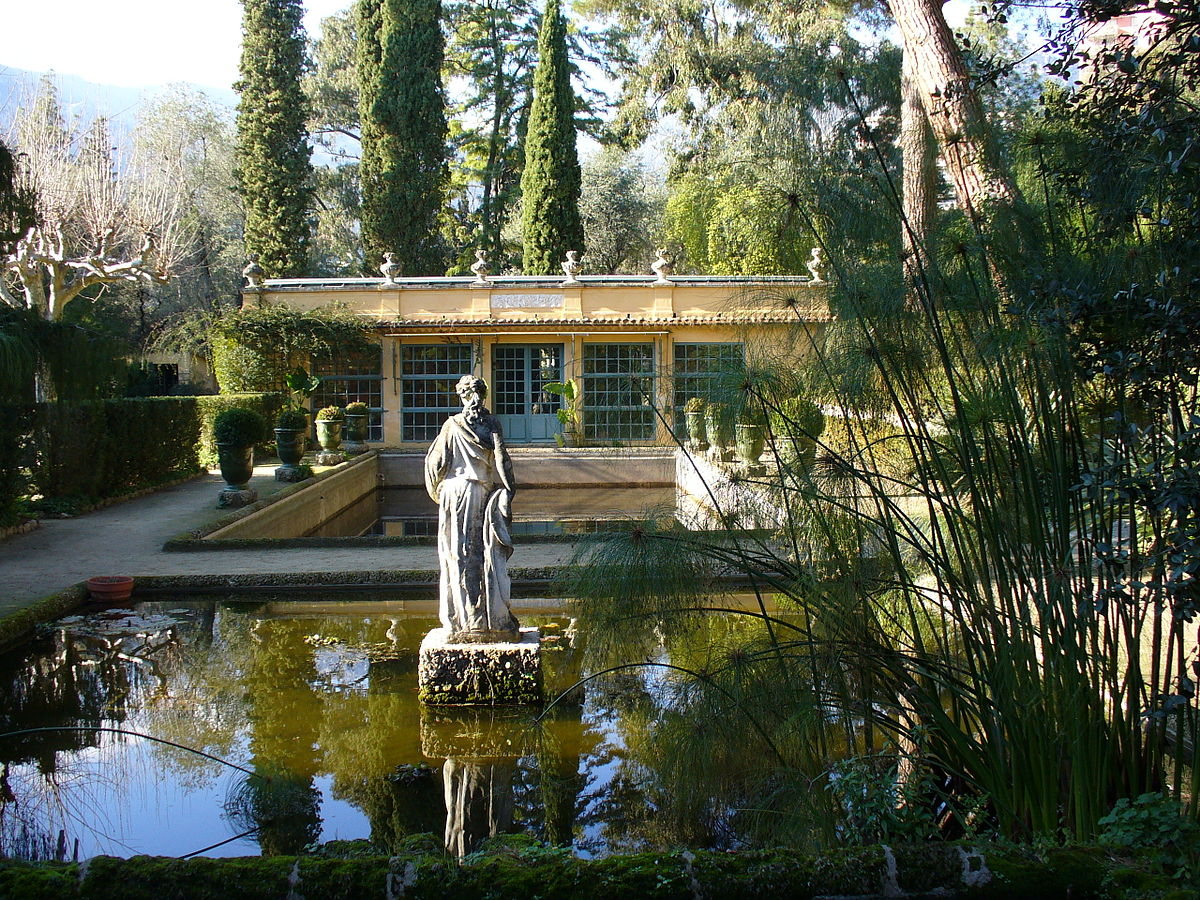 Jardin serre de la madone wikipedia for Serre de jardin outiror