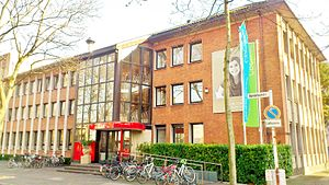 Cologne Business School - Main entrance at CBS