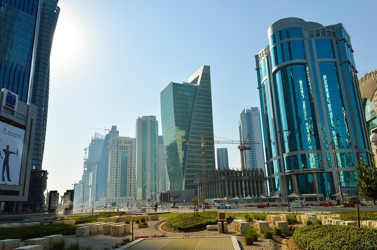 Majlis Al Tawoon street (12544617325).jpg