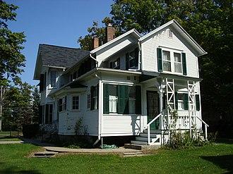 Concord Village Historic District (Concord, Michigan) - Image: Mann House 4