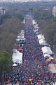 Marathon de Paris 2010, from the Arc de Triomphe.jpg