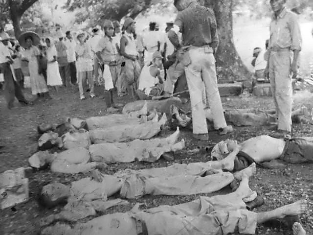 March of Death from Bataan to the prison camp - Dead soldiers