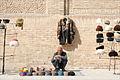 Marchand de chapeaux (Boukhara, Ouzbékistan) (5677368250).jpg