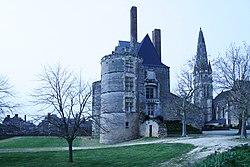 Martigné-Briand Chateau.JPG