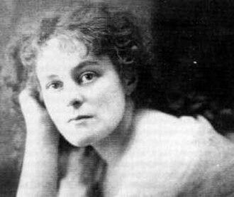 Maud Gonne - Maud Gonne ca. 1900