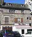 Mauriac - Maison sur la place G. Pompidou -2.JPG